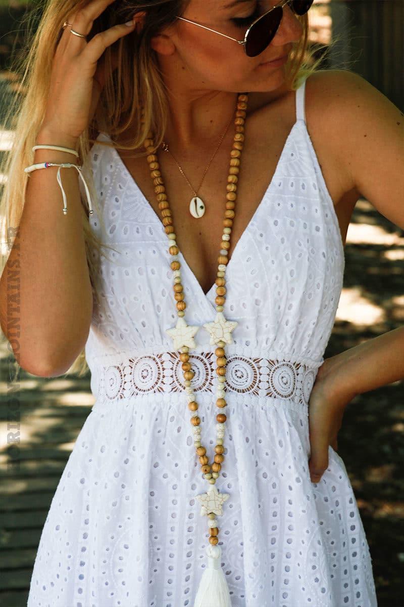 Robe-blanche-longue-bretelles-avec-broderie-anglaise-c116