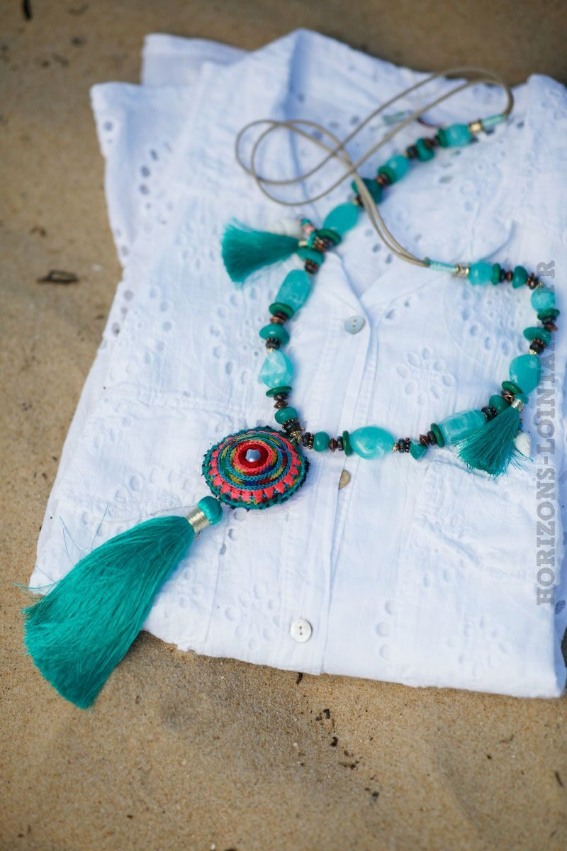 collier-turquoise-perles-medaillon-tissus-131