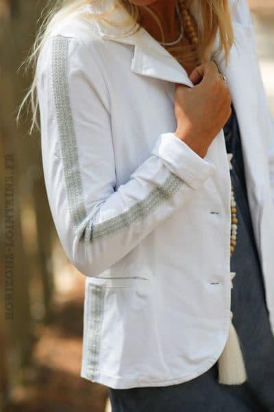 Blazer-blanc,-bandes-argentées-b05