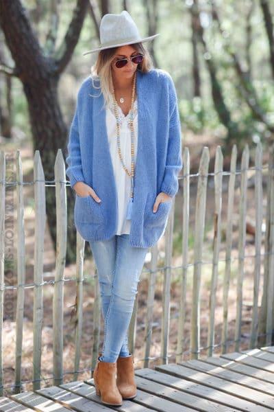 Gilet-bleu-jean-col-enveloppant-avec-poches-c21