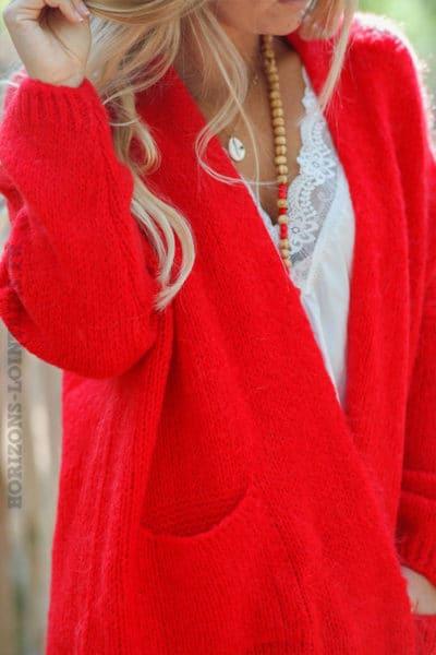 Gilet-rouge-col-enveloppant-avec-poches-c21