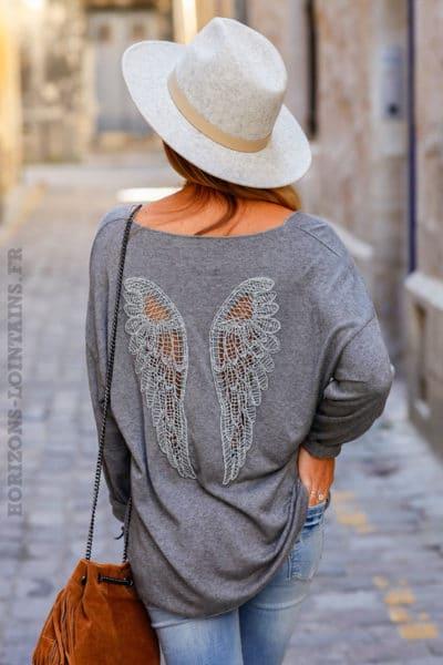 Pull-gris-doux-ailes-ajourées-dans-le-dos-c185-6