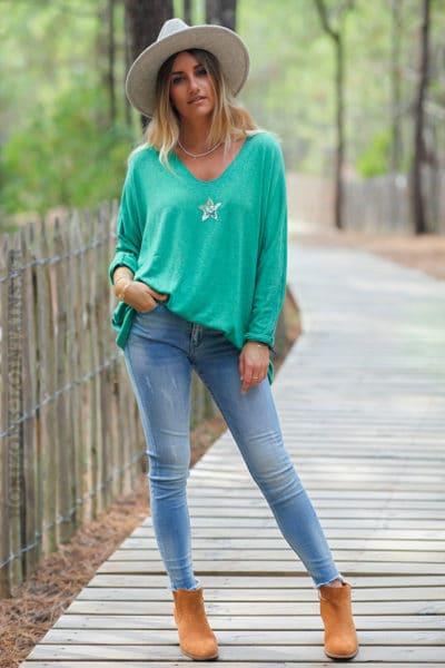 Pull-vert-col-v-petite-étoile-sequins--c176-2