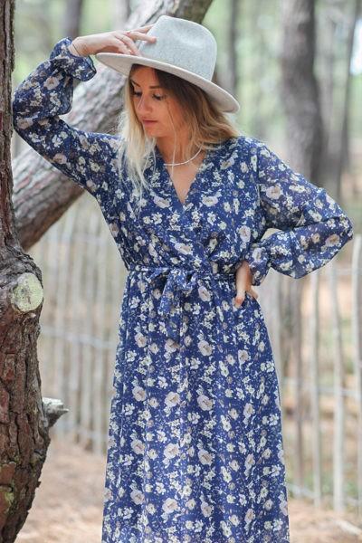 Robe-longue-bleu-marine-manches-longues-imprimé-fleuri-c145