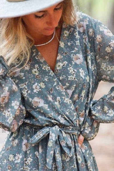 Robe-longue-kaki-manches-longues-imprimé-fleuri-c145