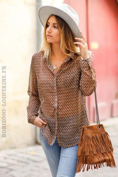Chemise-voilage-camel-avec-imprimé-graphique-brillants-top-femme-C183