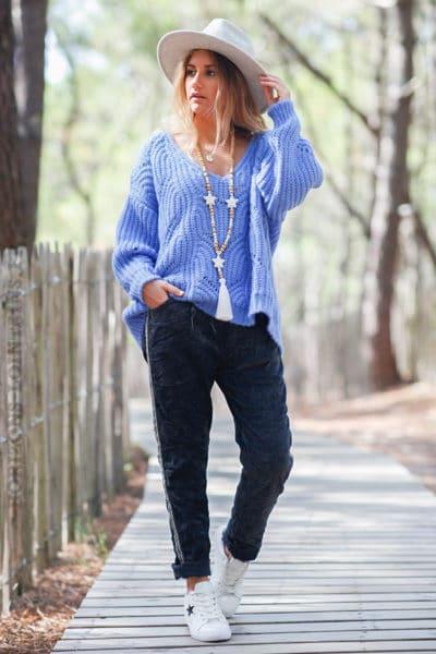 Pantalon-stretch-gris-anthracite-en-velours-avec-bande-brillante-c035
