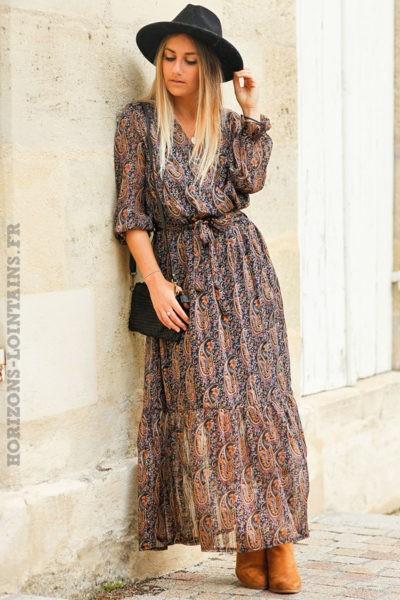 Robe-longue-noire-imprimé-cachemire-femme-look-bohème-hippie-urbain