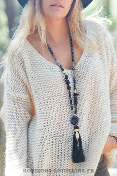 Collier-perles-verre-médaillon-pierre-sautoir-pompon-noir-esprit-bohème-hippie