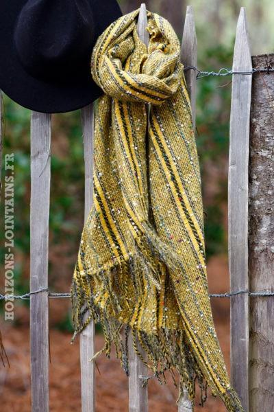 Echarpe-douce-moutarde-chiné-accessoire-femme-look-bohème-esprit-hippie-018