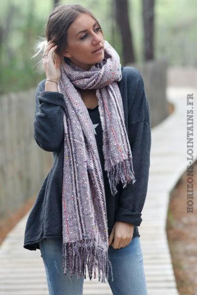 Echarpe-douce-rose-petits-carreaux-bandes-colorées-esprit-bohème-look-hippie-018