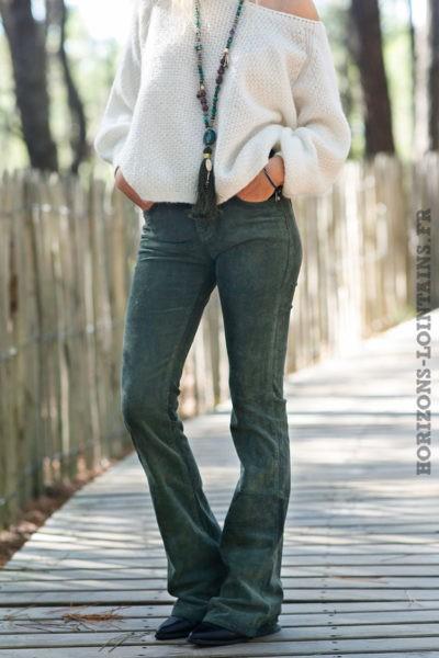 Pantalon-évasé-vert-foncé-matière-velours-esprit-bohème-look-femme-hippie-C040-1