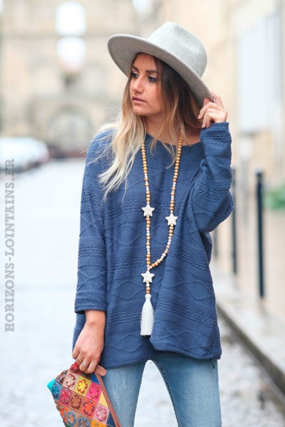 Pull-bleu-jean-avec-broderie-fine-c227