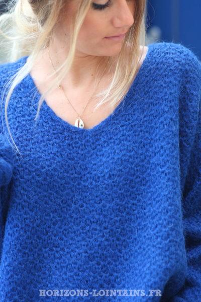 Pull-bleu-roi-chaud-maille-nid-abeille-écharpe-bleue-femme-C209
