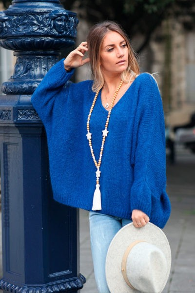 Pull-bleu-roi-mailles-manches-chauve-souris-c226