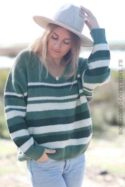 Pull-doux-vert-rayues-écrues-top-femme-esprit-bohème-look-hippie-C233