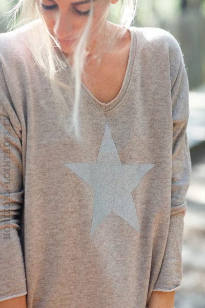 Pull-fin-marron-glacé-avec-étoile-argenté-c217