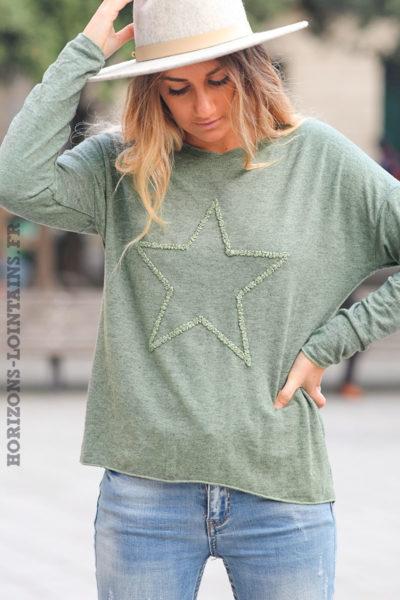 Pull-léger-femme-couleur-kaki-avec-étoile-relief-brodée-esprit-bohème-confortable-C230
