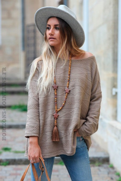 Pull-taupe-avec-broderie-fine-c227-11
