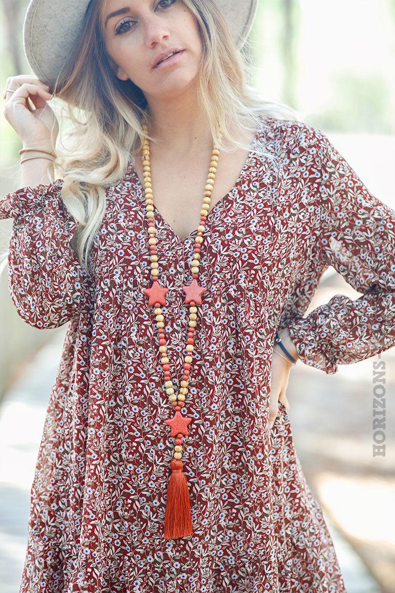 Robe-courte-bordeaux-avec-imprimé-petites-fleurs-c157