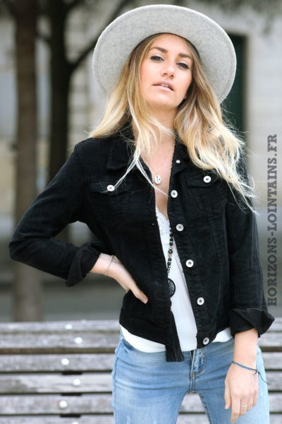 Veste-noire-courte-matière-velours-manteaux-femme-esprit-bohème-hippie-C211