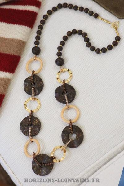 collier chocolat anneaux dorés sautoir style bohème esprit hippie