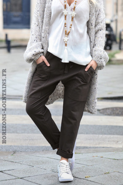 jogging-femme-pantalon-urbain-marron-foncé-poches-look-street-wear-look-004