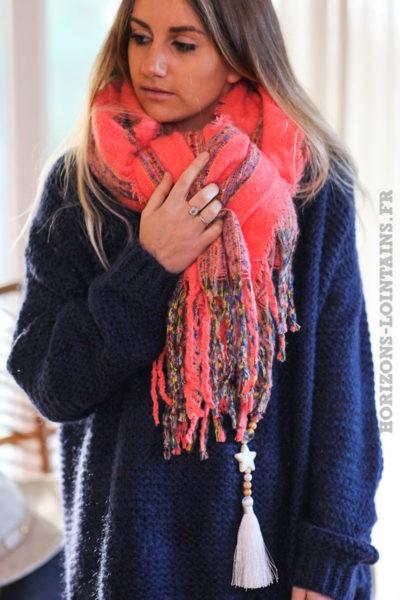 Echarpe-douce-corail-rose-orangé-femme-vêtements-hiver-horizons-lointains-019
