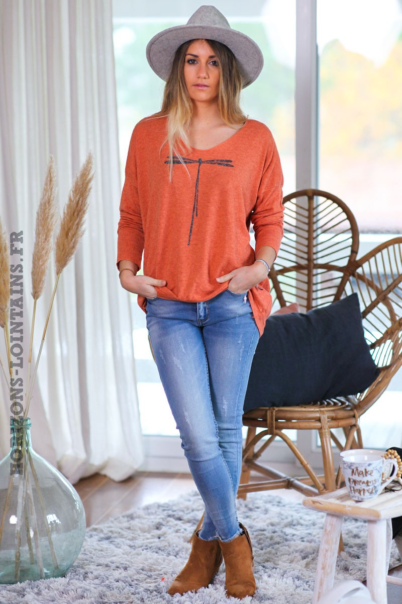 Pull-leger-orange-brique-colV-libellule-vêtement-femme-C248