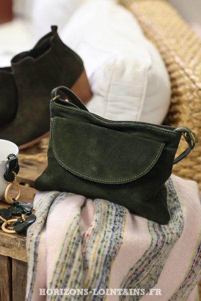 Sac bandoulière kaki pochette grande poche esprit bohème C033