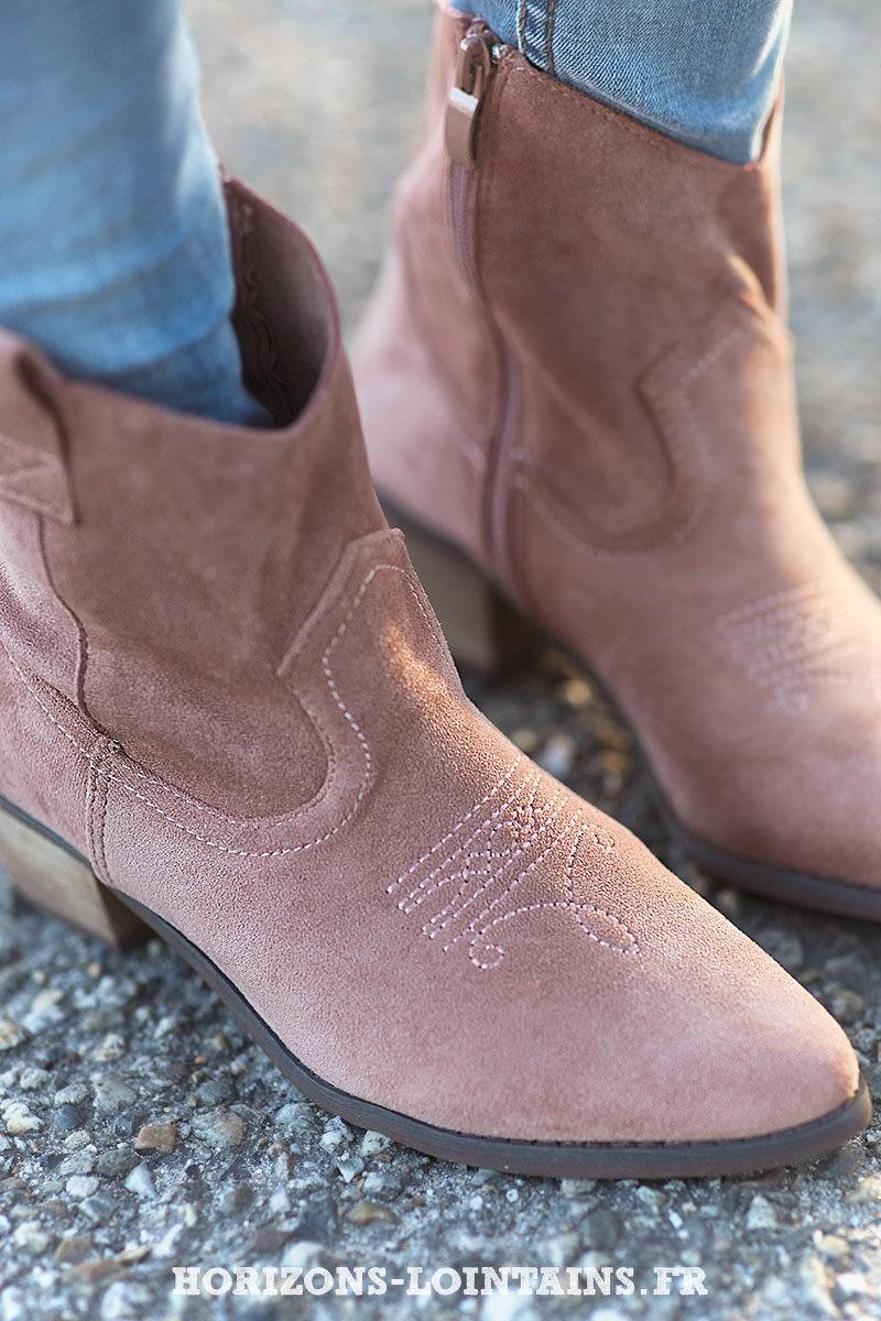 Bottines rose poudré matière suédine souple bottes femme esprit bohème look hippie