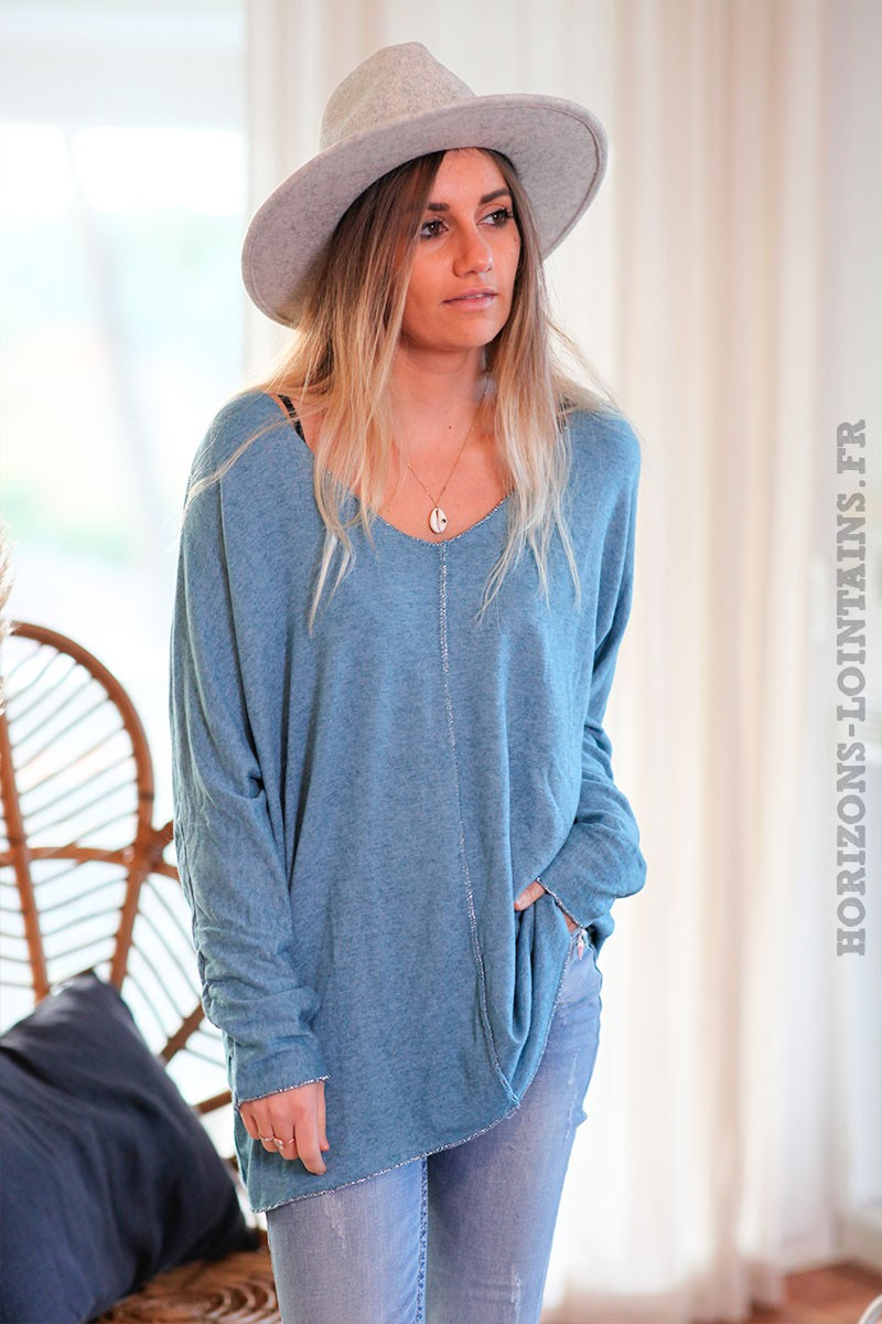 Pull-bleu-canard-col-V-avec-coutures-argentées-c249