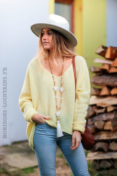 Pull-col-V-jaune-mimosa-maille-fine-moelleuse-c252