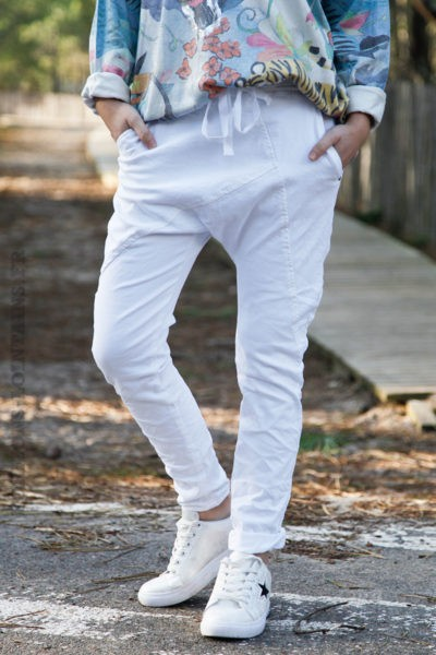 Pantalon-blanc-coupe-baggy-c45