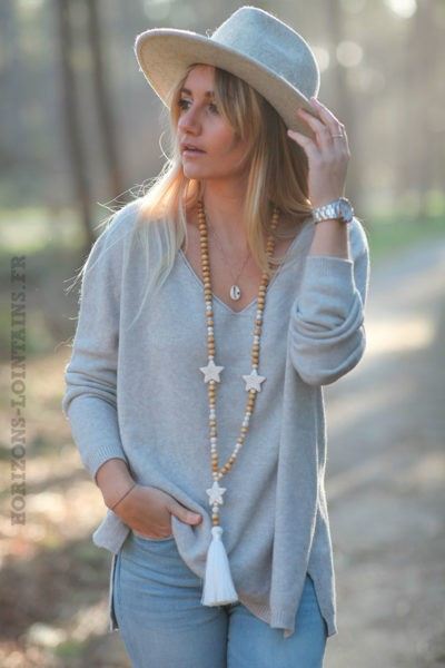 Pull-basique-taupe-clair-col-V-d1