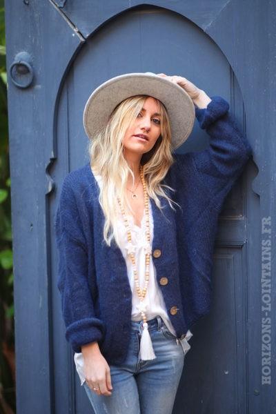Gilet-bleu-marine-avec-boutons-femme-hippie-look-bohème-col-V-D001