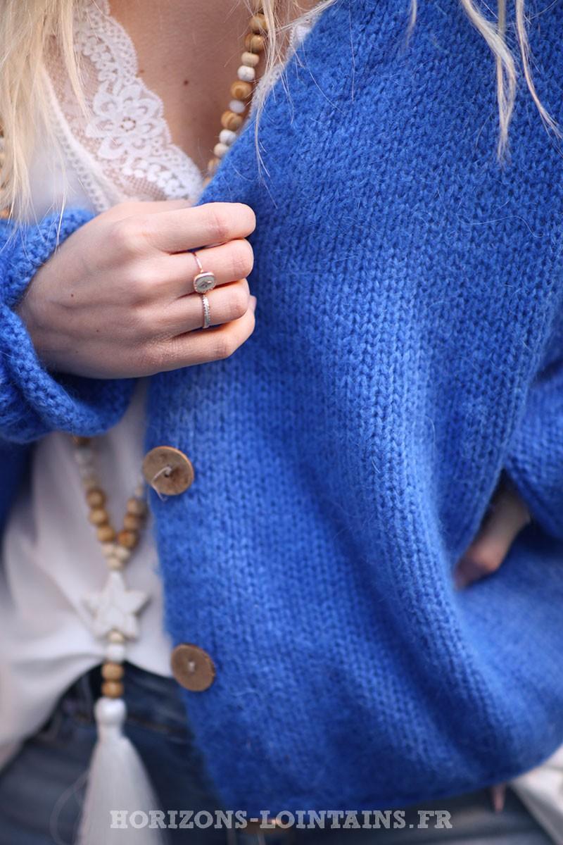 Gilet-bleu-roi-avec-boutons-femme-hippie-look-bohème-col-V-D001