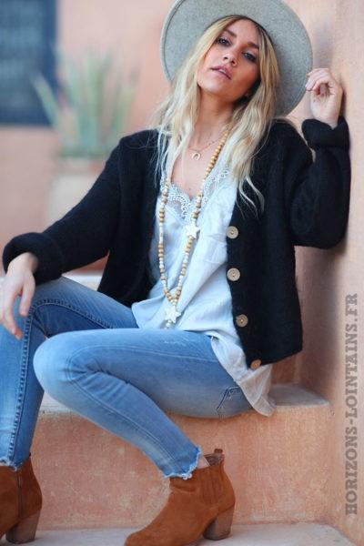 Gilet-noir-avec-boutons-femme-hippie-look-bohème-col-V-D001