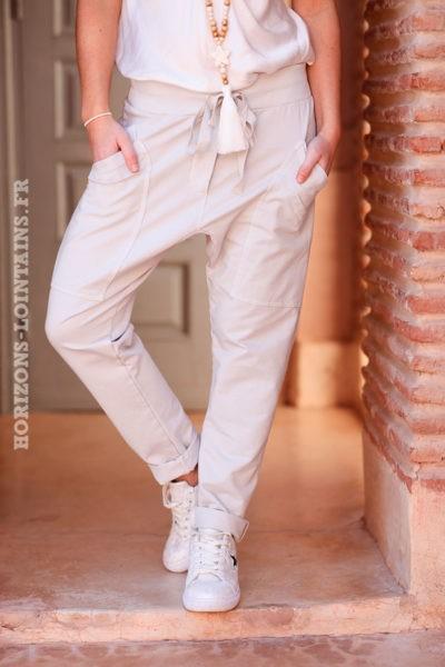 Pantalon-de-jogging-crème-urbain-à-poches-004