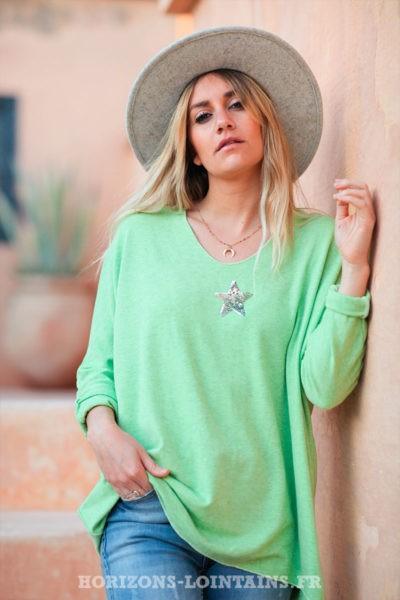 Pull--vert-pomme-col-v-petite-étoile-sequins-c176