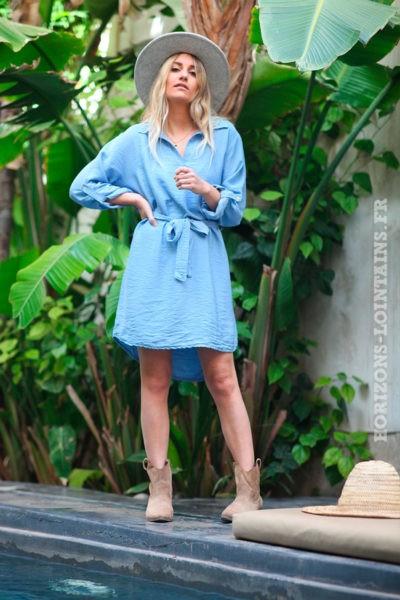 Robe-fluide-bleu-jean-clair-uni-avec-ceinture-d002