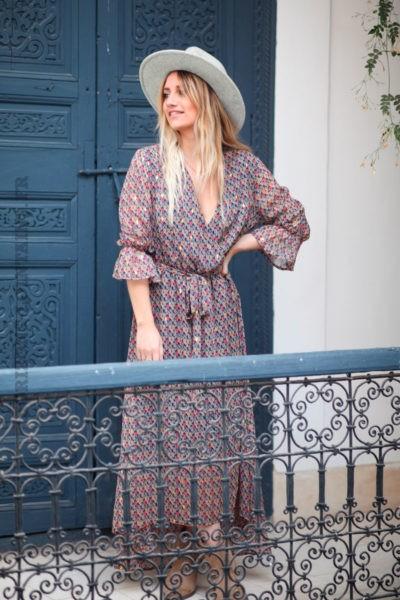 Robe-longue-It-Hippie-avec-imprimé-feuilles-et-losange-doré--d013