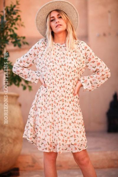 Robe-plissée-écrue-avec-imprimé-fleurs-d010-1