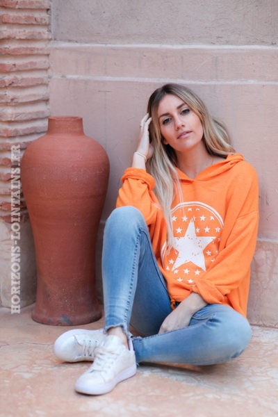 Sweat-à-capuche-orange-confort-étoiles--d025