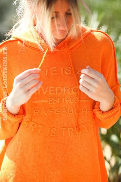 Sweat-à-capuche-orange-confort-message-en-relief--d032