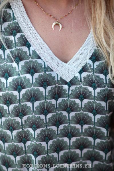 Top-motifs-esprit-plumes-paon-kaki-look-bohème-vêtement-It-Hippie-D037
