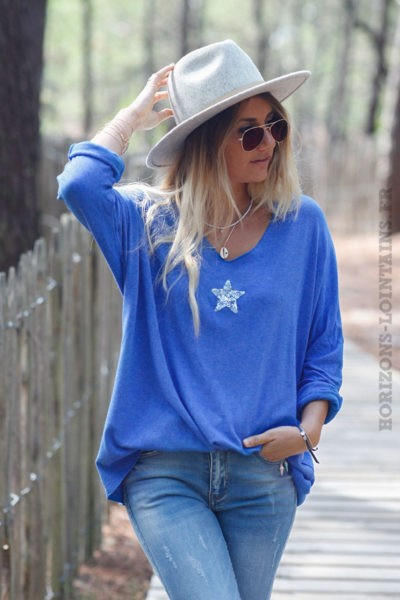 Pull-bleu-roi-col-v-petite-étoile-sequins-c176