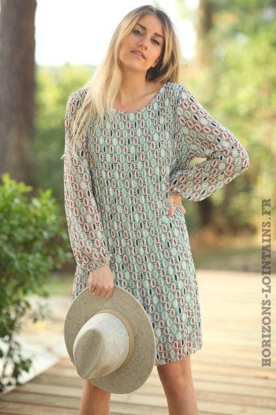 Robe-verte-fluide-plissée-motifs-vert-amande-arrondis-robes-esprit-bohème-style-hippie-D026