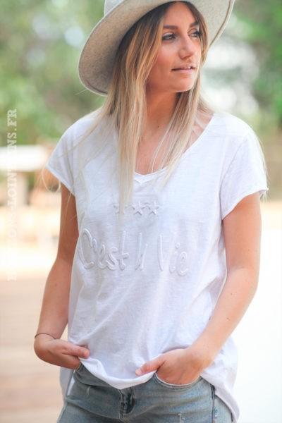 Tshirt-blanc-coton-C'est-la-Vie-en-relief--d063