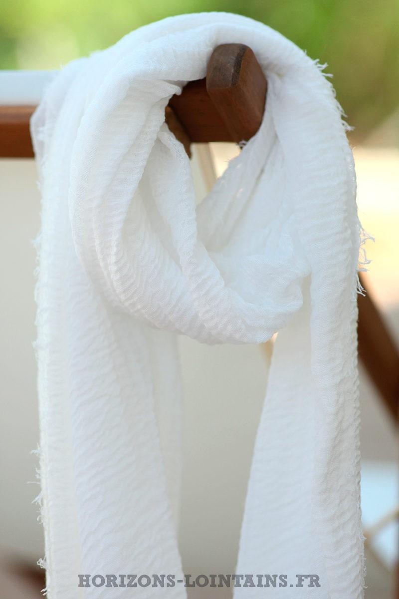 écharpe-légère-blanche-uni-étole-toute-douce-foulard-bleu-D001-03